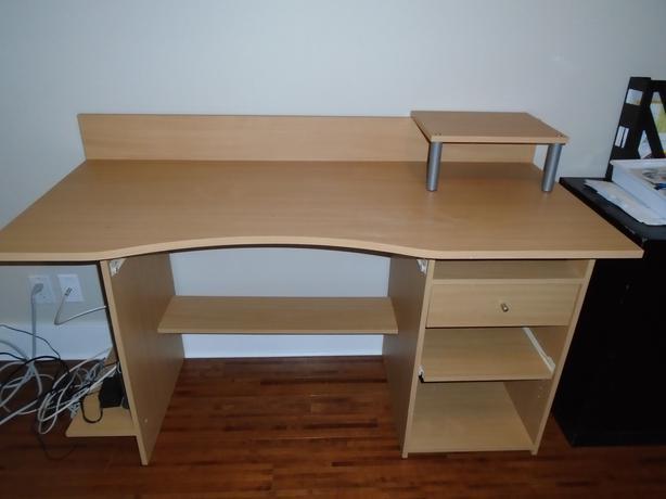 Desk Parksville Nanaimo