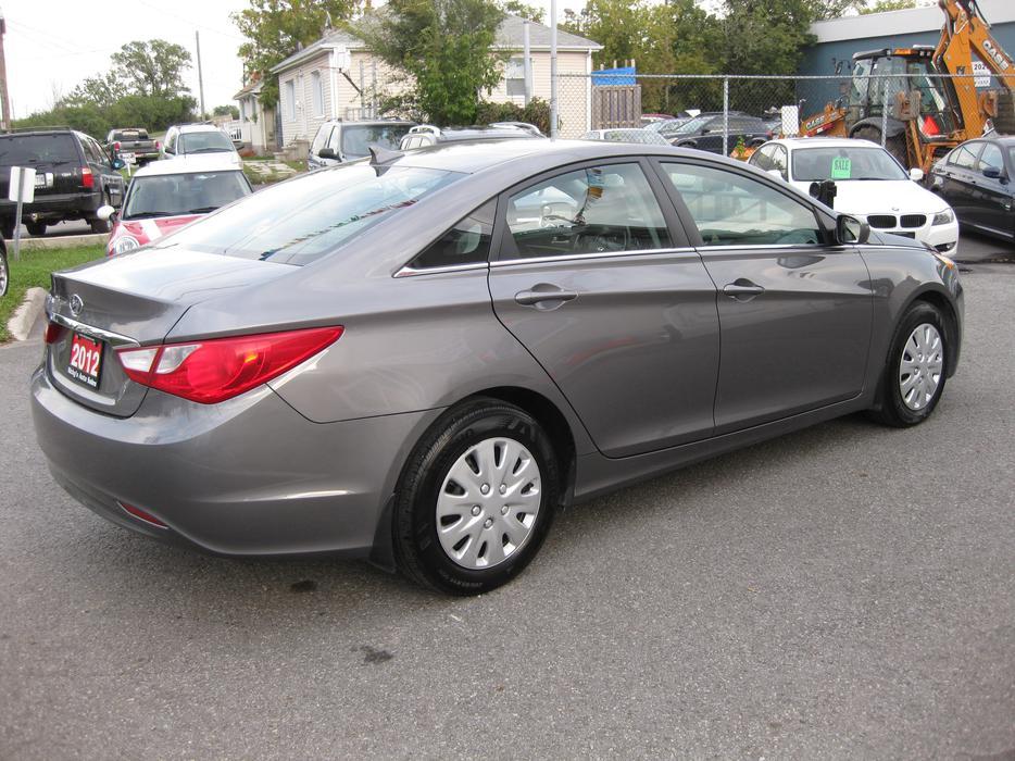 2012 Hyundai Sonata Gl Auto Accident Free Loaded
