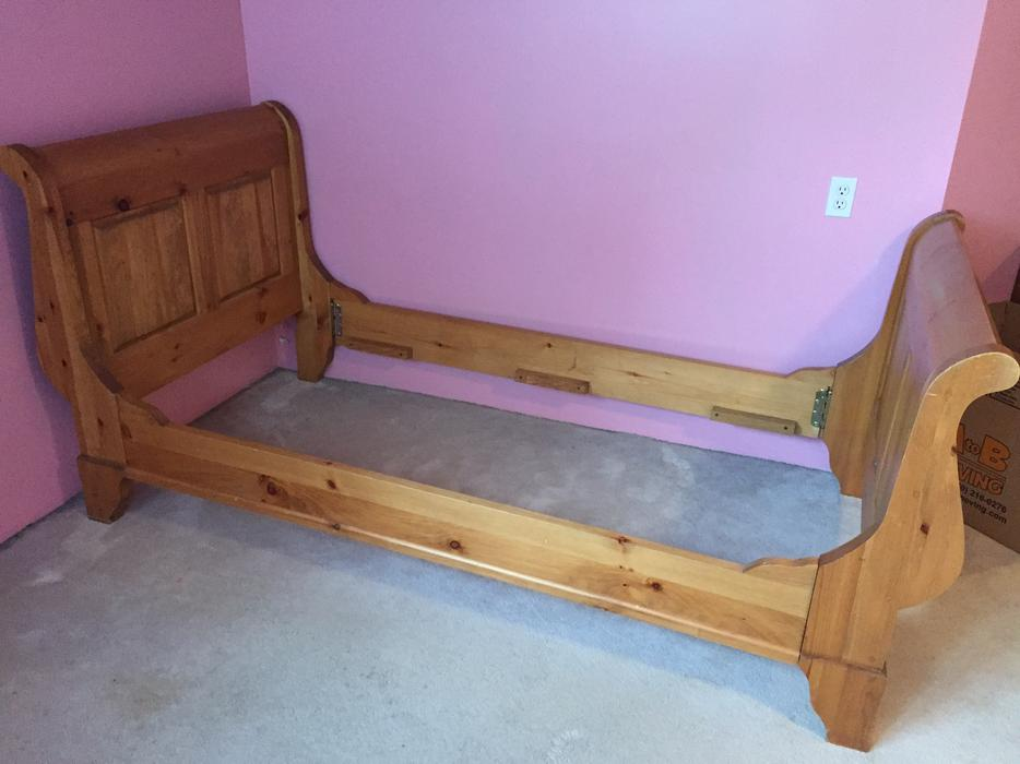 Reduced Solid Pine Twin Sleigh Bed Frame Oak Bay Victoria