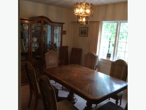 Dining room table chairs hutch price drop saanich victoria for Dining room hutch canada