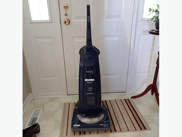 kenmore upright vacuum. kenmore elegance upright vacuum 12.0 amps (soooo powerful)