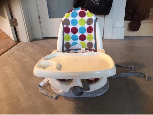 baby bath tub portable high chair victoria city victoria. Black Bedroom Furniture Sets. Home Design Ideas
