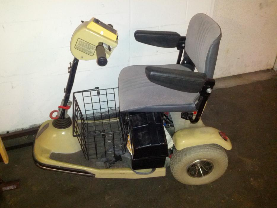 2 mobility scooters used for sale good condition vancouver city vancouver mobile. Black Bedroom Furniture Sets. Home Design Ideas