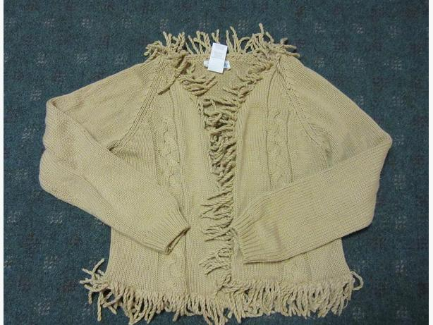 Girls heavy sweater cardigan REAL CUTE  Size Lg (12-14)