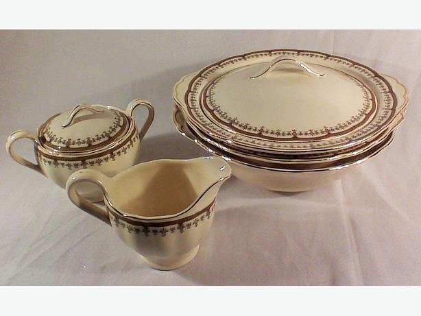 Grindley Creampetal serving set