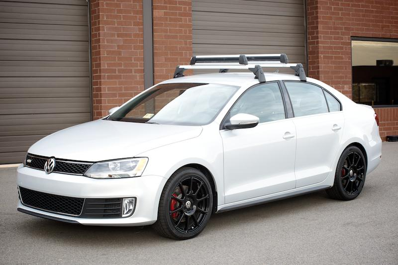 Thule Roof Rack And Ski Snowboard Attachment For Vw Jetta