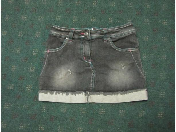 Girls cute black denim skirt size 14