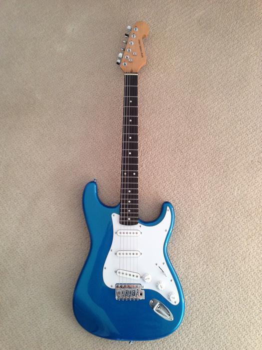 electric guitar new new york pro victoria city victoria. Black Bedroom Furniture Sets. Home Design Ideas