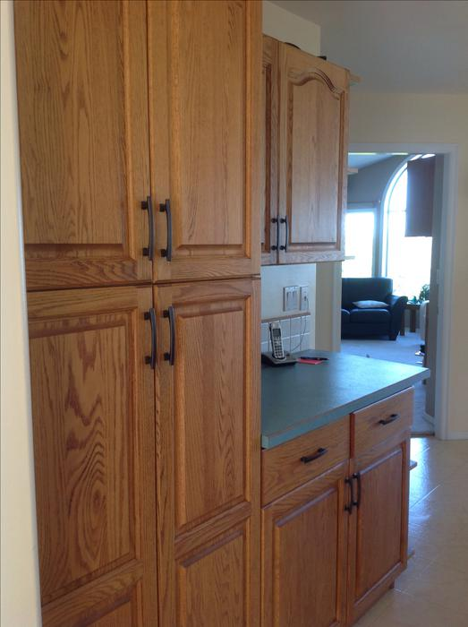 Oak kitchen cabinets with boxes solid wood lantzville nanaimo for Kitchen cabinets nanaimo