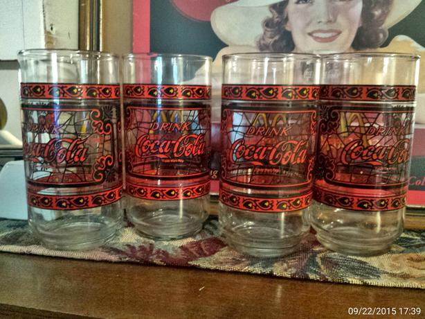 Set of 4 beautiful 1980's Coca Cola glasses