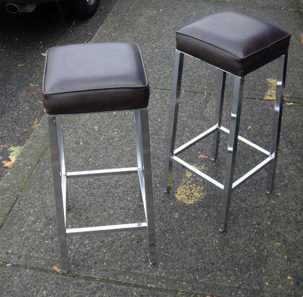 EACH Modern Square Dark Brown Padded Bar Stool with  : 49157090934 from www.usedvictoria.com size 611 x 599 jpeg 68kB