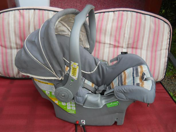 baby child car seat saanich victoria mobile. Black Bedroom Furniture Sets. Home Design Ideas
