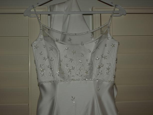 Beautiful New Designer Wedding Dress Tags Still Attached North Saanich Amp Sidney Victoria