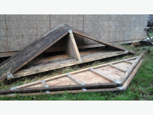 Roof Trusses And Metal Sheathing Duncan Cowichan