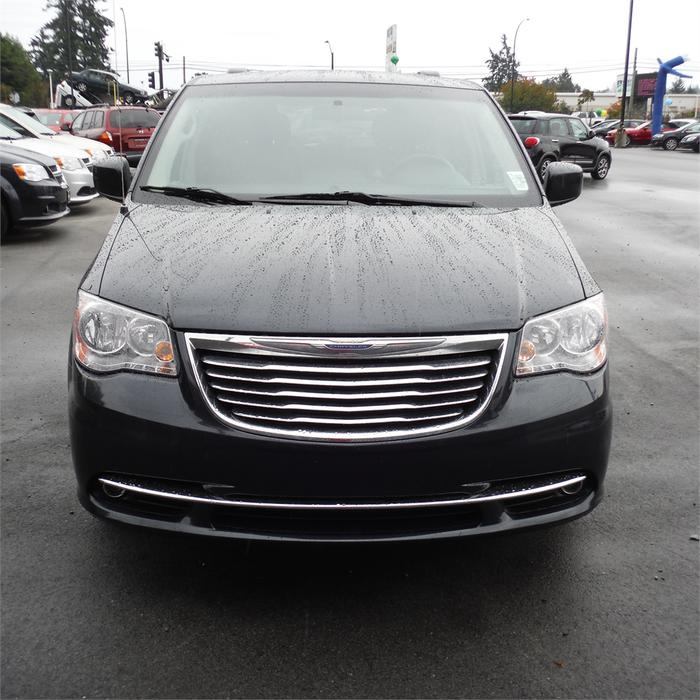 Chrysler Town And Country 2014 Price: 2014 Chrysler Town & Country Touring-Leather, Bluetooth