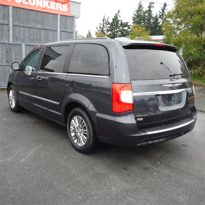 2014 Chrysler Town & Country Touring-Leather, Bluetooth
