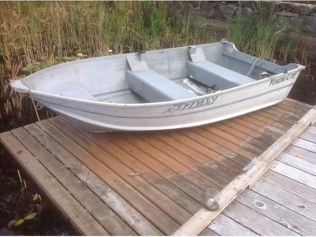 12 ft fishing boat north nanaimo parksville qualicum beach for 12 foot fishing boat