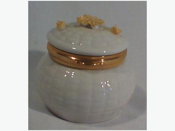 Belleek Marigold trinket box