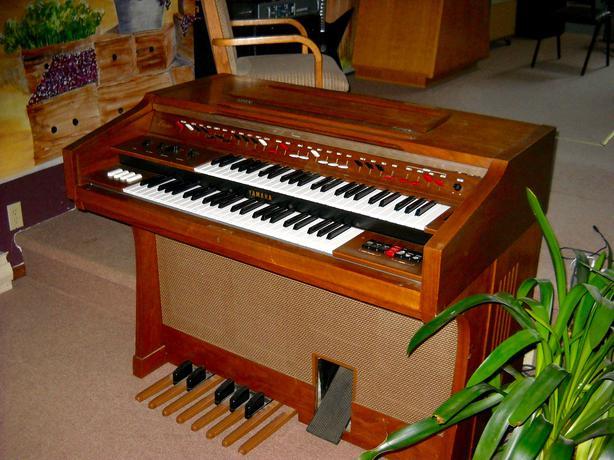 Yamaha electone organ outside nanaimo nanaimo for Yamaha electone organ models
