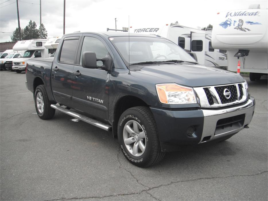 2014 nissan titan sv 4x4 short box crew cab outside comox valley courtenay comox mobile. Black Bedroom Furniture Sets. Home Design Ideas