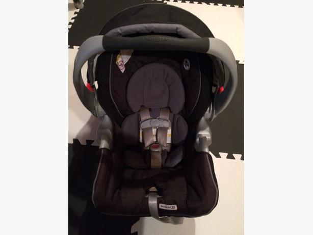 Graco Snugride 35 Infant Car Seat: Graco Snugride 35 Infant Car Seat With 2 Bases. North