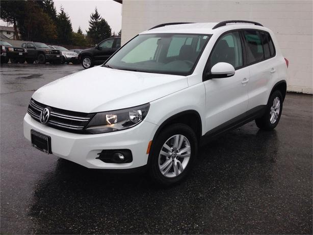 2015 volkswagen tiguan trendline 4motion w convenience pkg outside victoria victoria. Black Bedroom Furniture Sets. Home Design Ideas