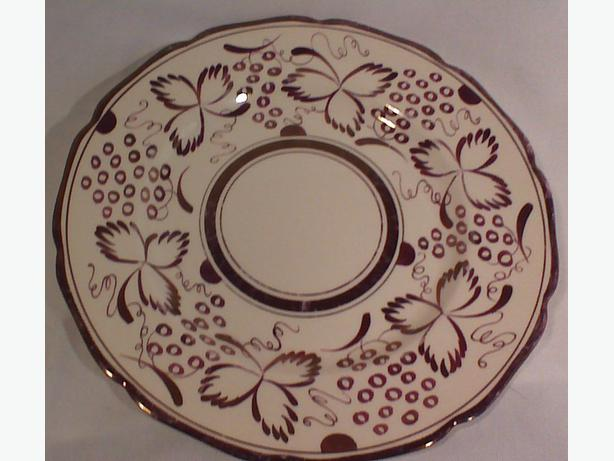 Gray's Pottery A4589 copper lustre serving plate