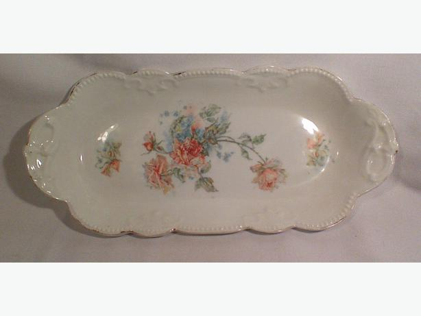 Porcelain hand-painted dish