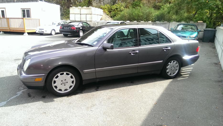 1996 mercedes benz e320 luxury sedan west shore langford for Mercedes benz bay ridge