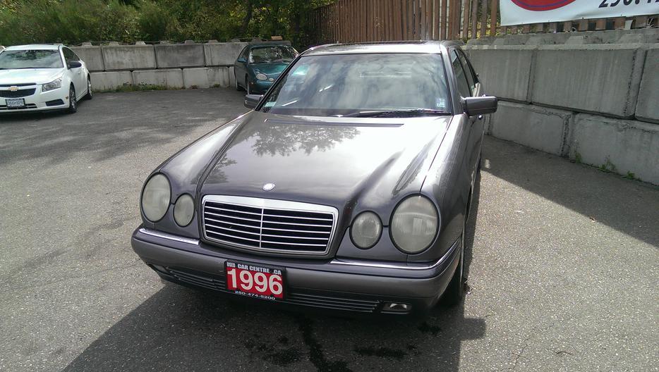 1996 mercedes benz e320 luxury sedan west shore langford for 1996 mercedes benz e320