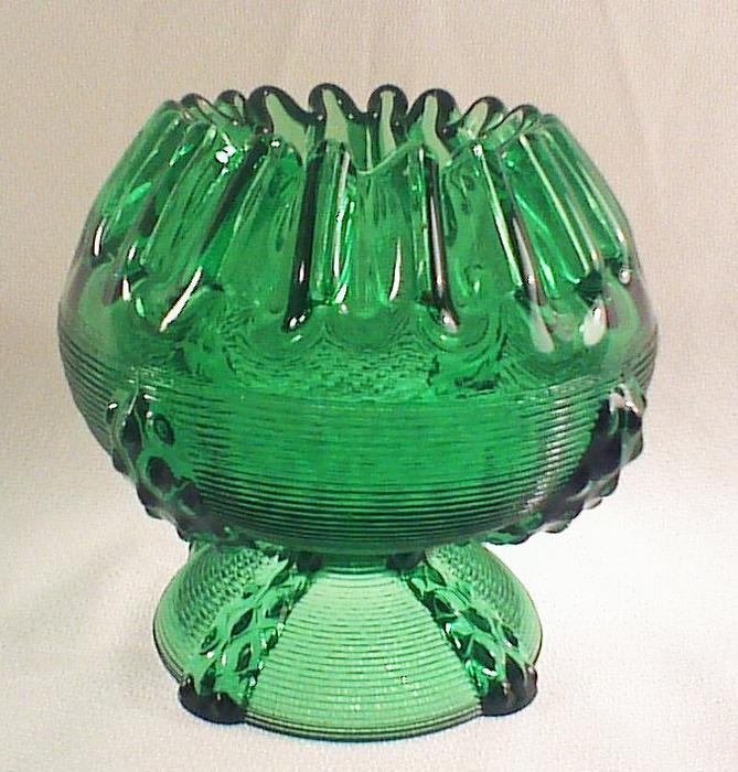 barstow glass rose bowl emerald green rideau township ottawa. Black Bedroom Furniture Sets. Home Design Ideas