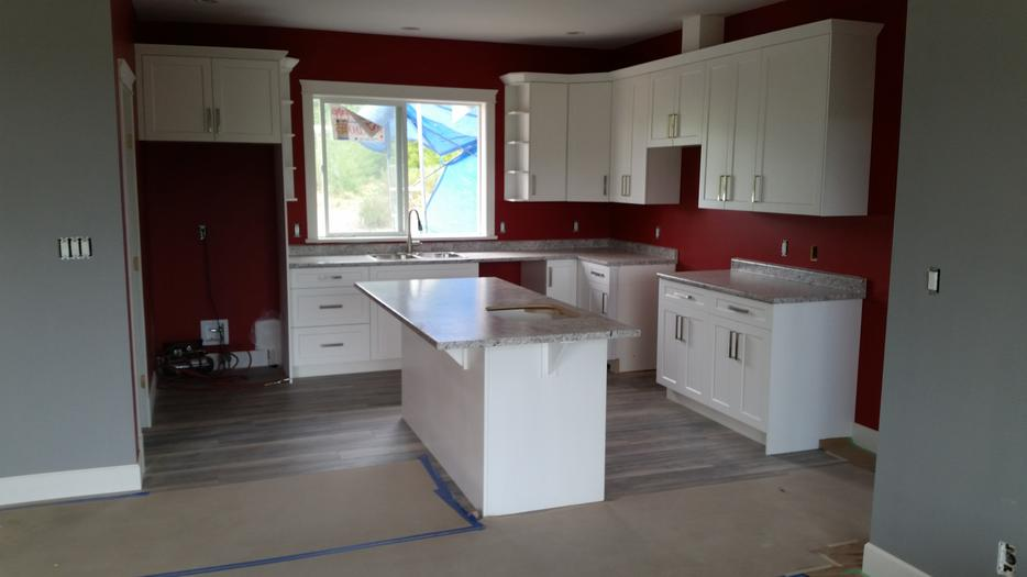 Kitchen cabinet builder west shore langford colwood for Kitchen cabinets kamloops
