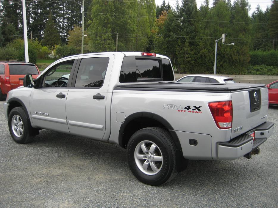 2008 nissan titan crew cab 4x4 sunroof power seat tonneau cover outside nanaimo nanaimo. Black Bedroom Furniture Sets. Home Design Ideas