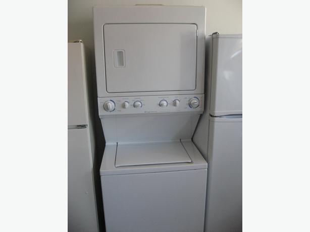 very clean frigidaire stacker set washer and dryer