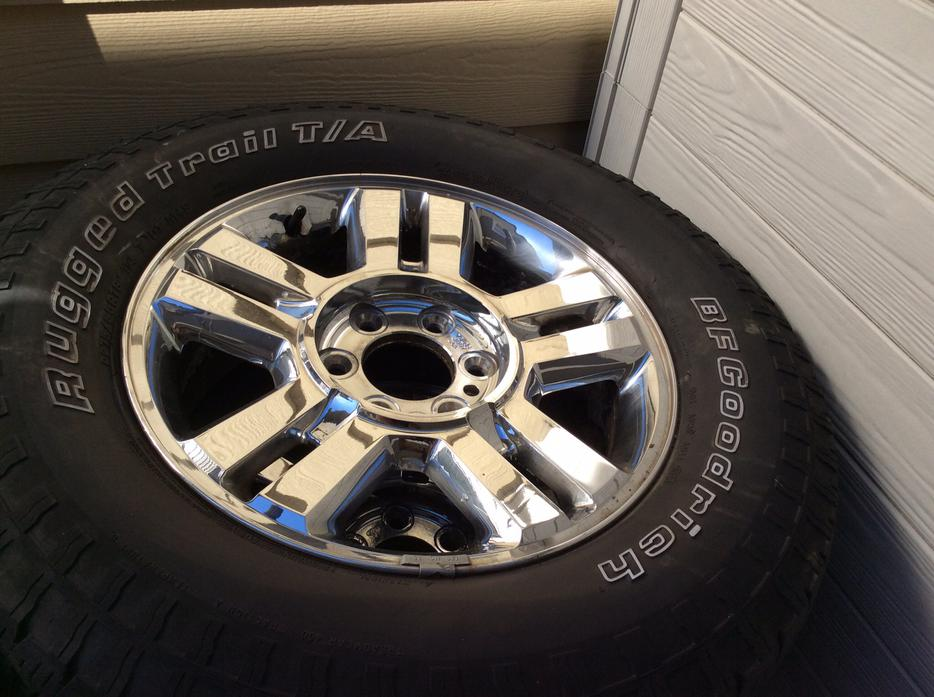 Used Tires Oshawa >> Tires and Factory Rims - from a 2006 Ford F150 (all 4 ...