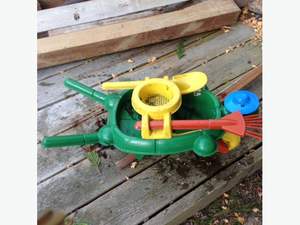 Used Yard Toys : Free outdoor kids toy gardening set saanich victoria