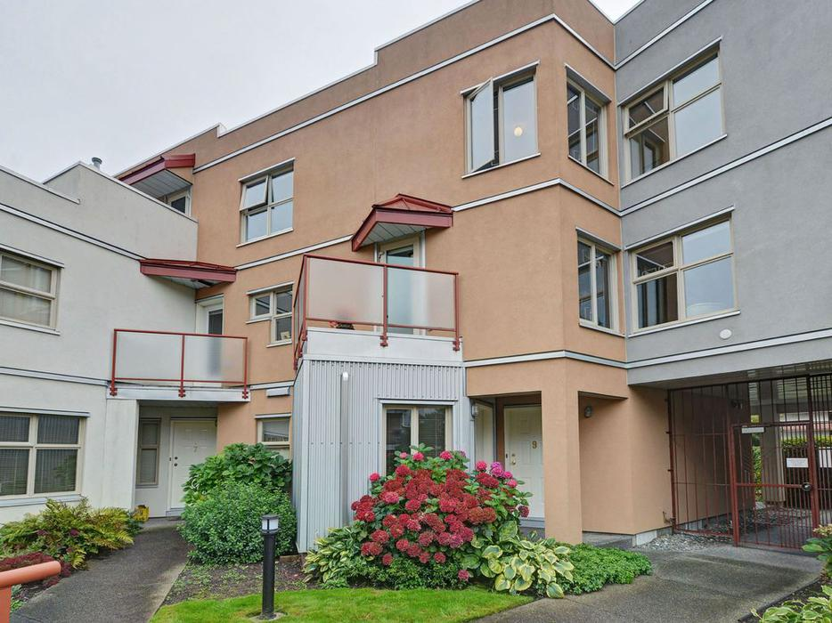 downtown 2 bedroom townhome victoria city victoria mobile