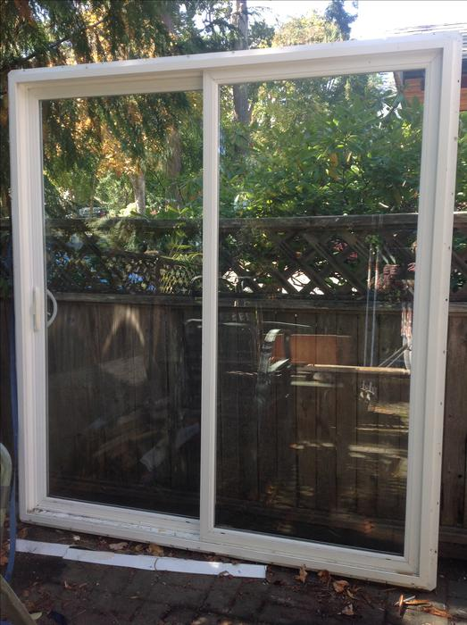 Vinyl sliding patio door central saanich victoria mobile for Used patio doors