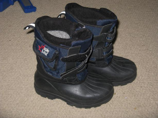 Kids size 11 winter boots
