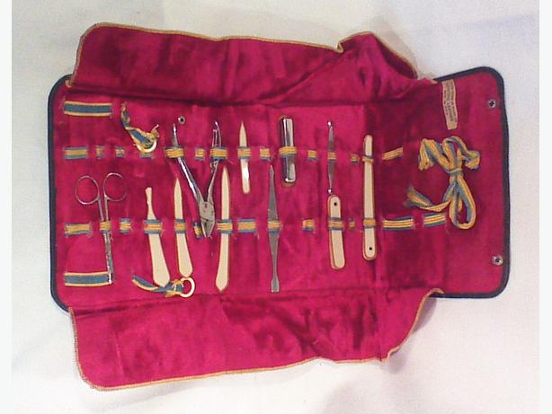 Ladies travel manicure set