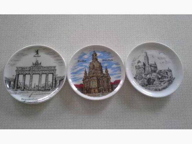 3 Mini Collector Plates