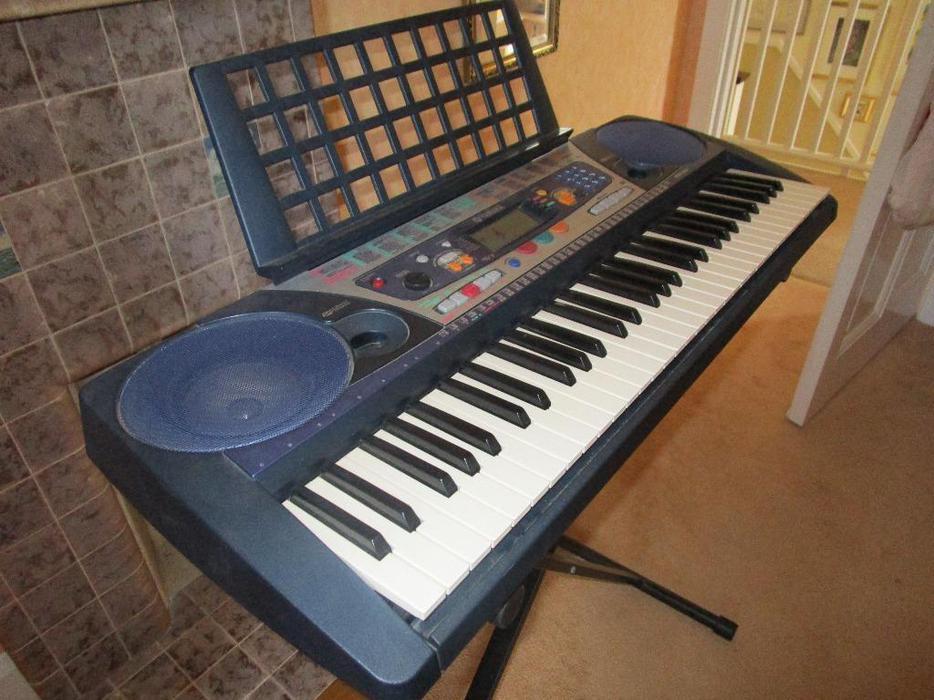 Yamaha piano sized touch sensitive portable keyboard for Yamaha piano store winnipeg