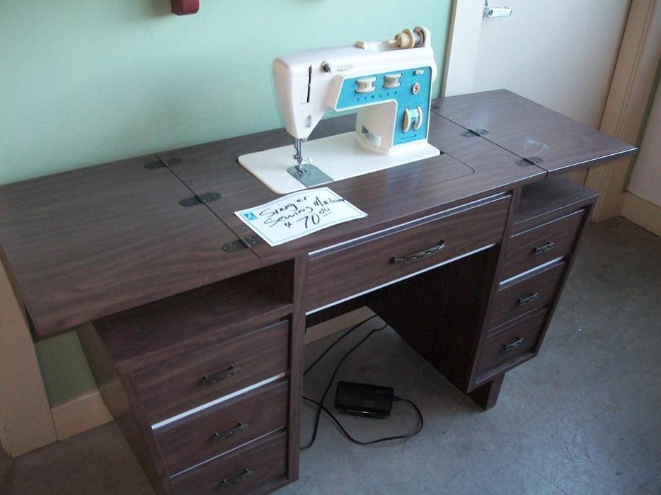 was 70 singer sewing machine w cabinet for sale at st vincent de paul saanich victoria. Black Bedroom Furniture Sets. Home Design Ideas