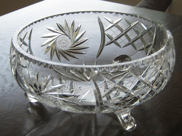 Footed Pinwheel Crystal Bowl