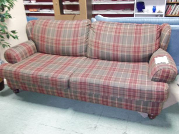 Plaid sofa svdp yates st victoria city victoria - Plaid para sofa ...
