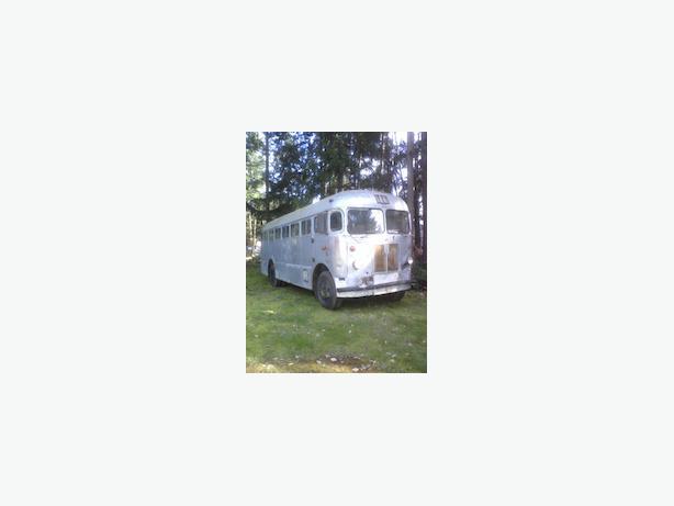 Western Flyer Motor Coach Parksville Nanaimo Mobile