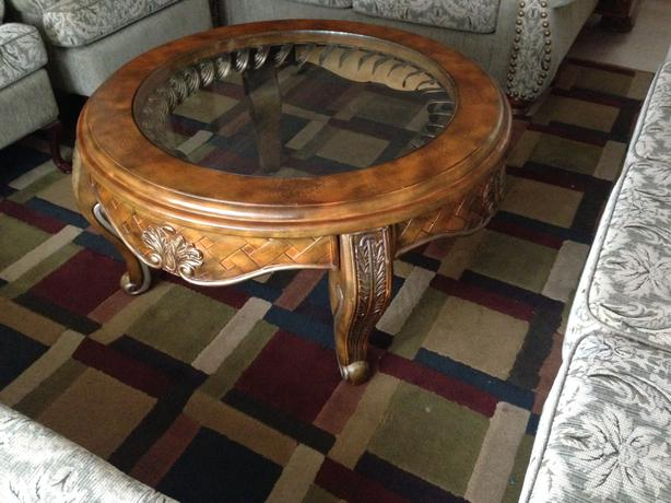 3pc Beautiful Solid Wood Ashley Coffee Tables Set Good