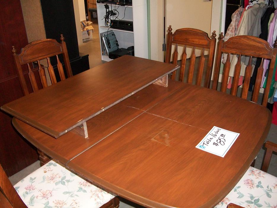 Was 85 dining room table with 6 chairs for sale at st for Table 85 ottawa