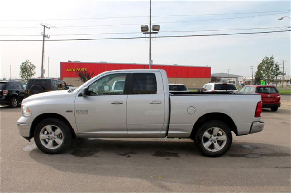 2015 ram 1500 slt 4x4 central regina regina mobile. Black Bedroom Furniture Sets. Home Design Ideas