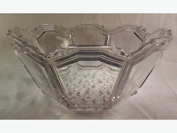 Octagonal glass bowl